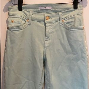 Cropped/ankle colored jean